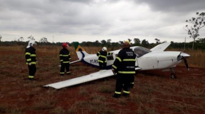 #Ao decolar, avião atinge cachorro e faz pouso de emergência