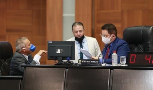 AL aprova lei que proíbe cobrança de juros e multas nas contas de água e energia em MT durante pandemia