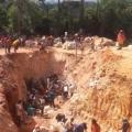 Garimpeiros ficam soterrados após desabamento de barranco
