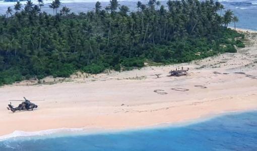 Mensagem de SOS escrita na areia salva náufragos em ilha do Pacífico