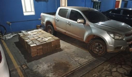 Gefron-MT apreende uma tonelada de pasta base de cocaína e caminhonete S10
