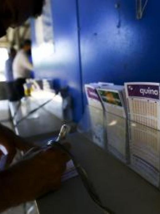 Quatro apostadores de MT acertam 4 números e ganham R$ 18 mil na Quina